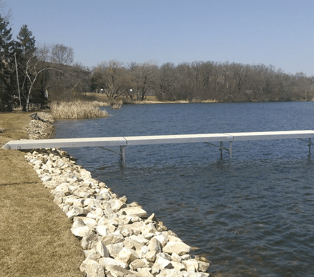 What Are the Pros and Cons of a Rip Rap Retaining Wall?